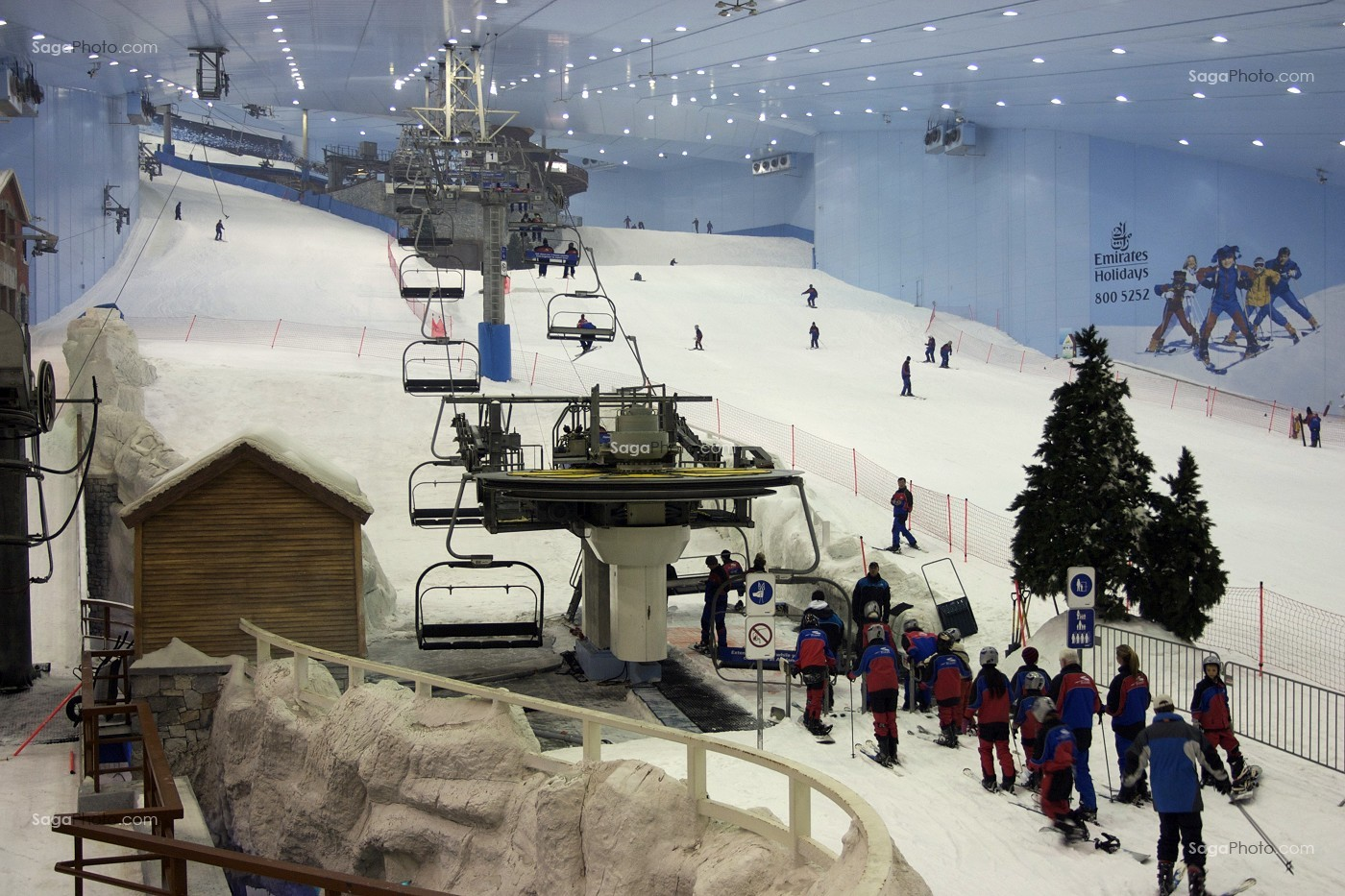 Photo de ski dubai piste de ski indoor interieur for Piste de ski interieur