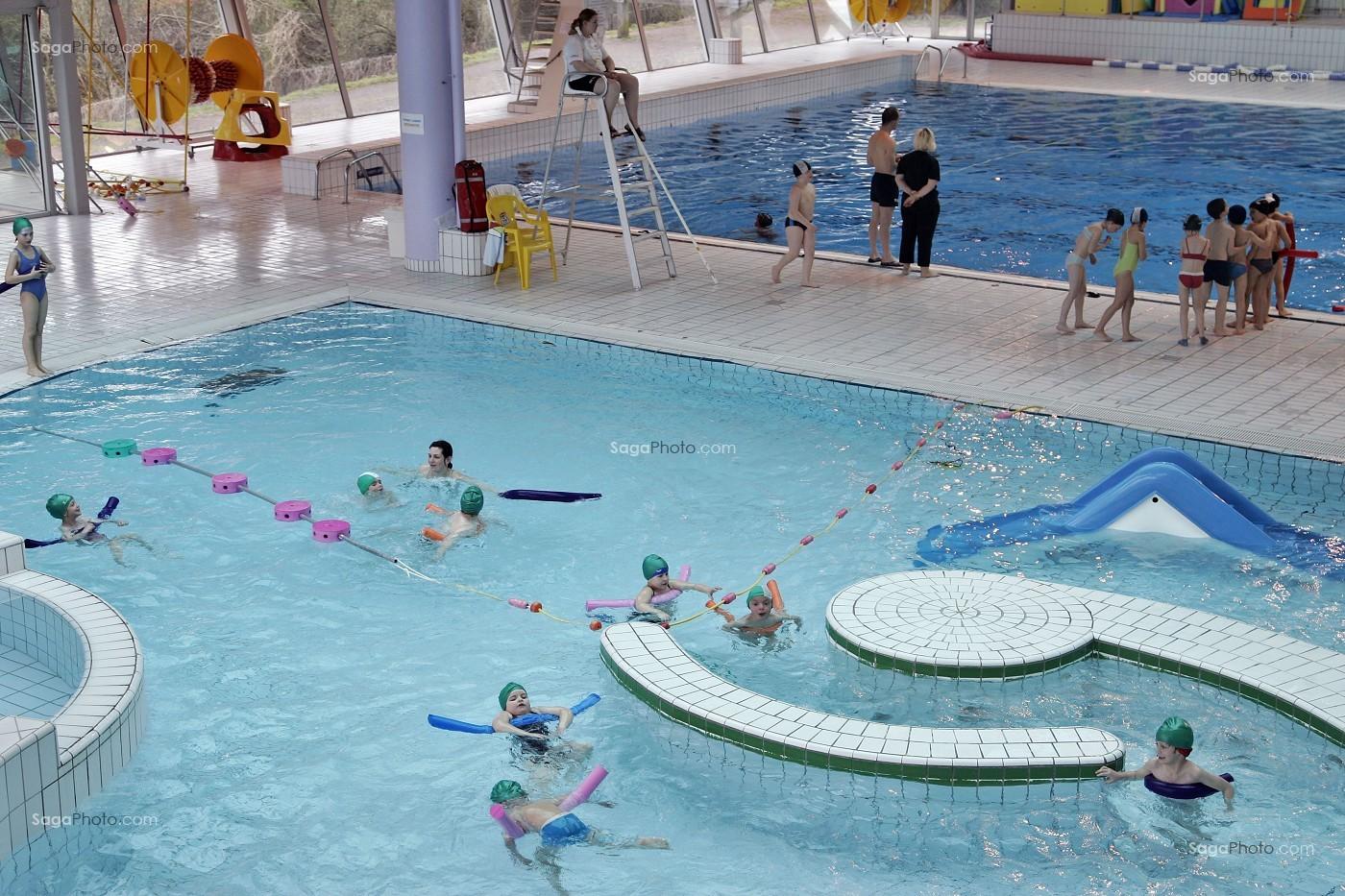 photo de groupe scolaire a la piscine du cap 39 orne l 39 aigle