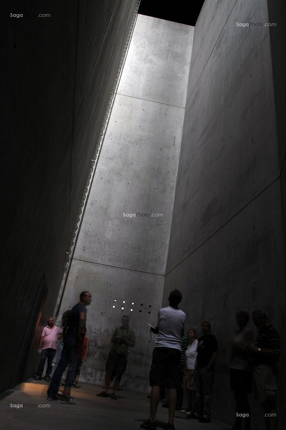 photo de LA 'HOLOCAUST-TURM (TOUR DE L'HOLOCAUSTE). MUSEE ...