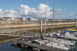 PORT DE PLAISANCE ET PLAGE DE ROYAN (17), FRANCE